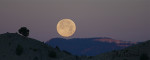 moonset over bryce canyon